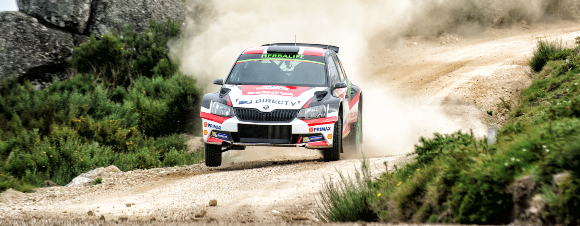 ŠKODA Fabia R5 cars dominate the WRC2 leaderboard at the Rally de Portugal