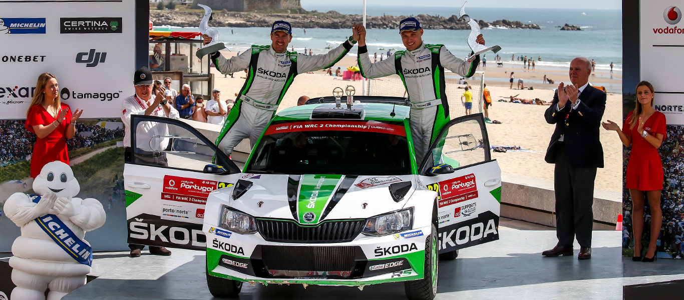 WRC Portugal: Victory for Pontus Tidemand and ŠKODA – last minute drama for Andreas Mikkelsen