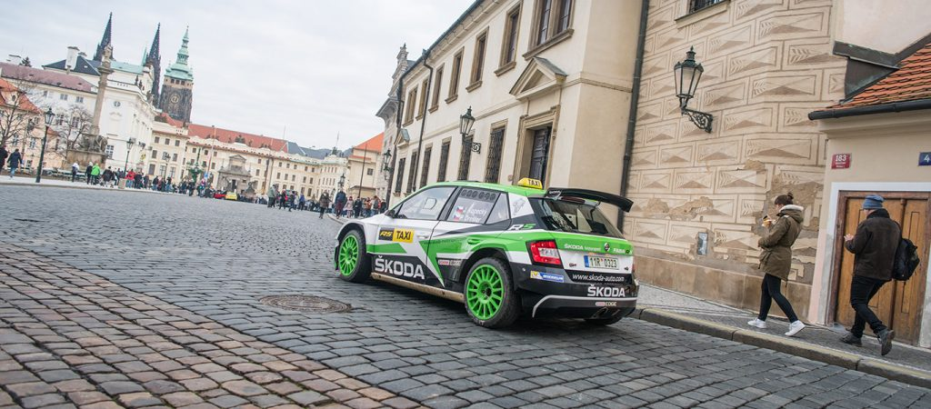 christmas-speed-test-kopecky-becomes-taxi-driver-center-prague