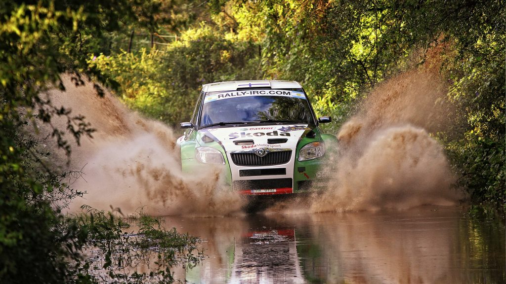 water-sand-and-crowds-rally-argentina
