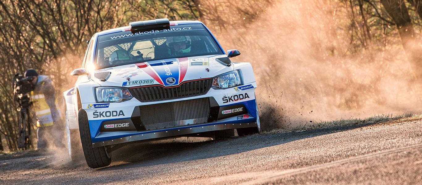 Valašská Rally: Kopecký prodloužil vítěznou sérii suverénní výhrou