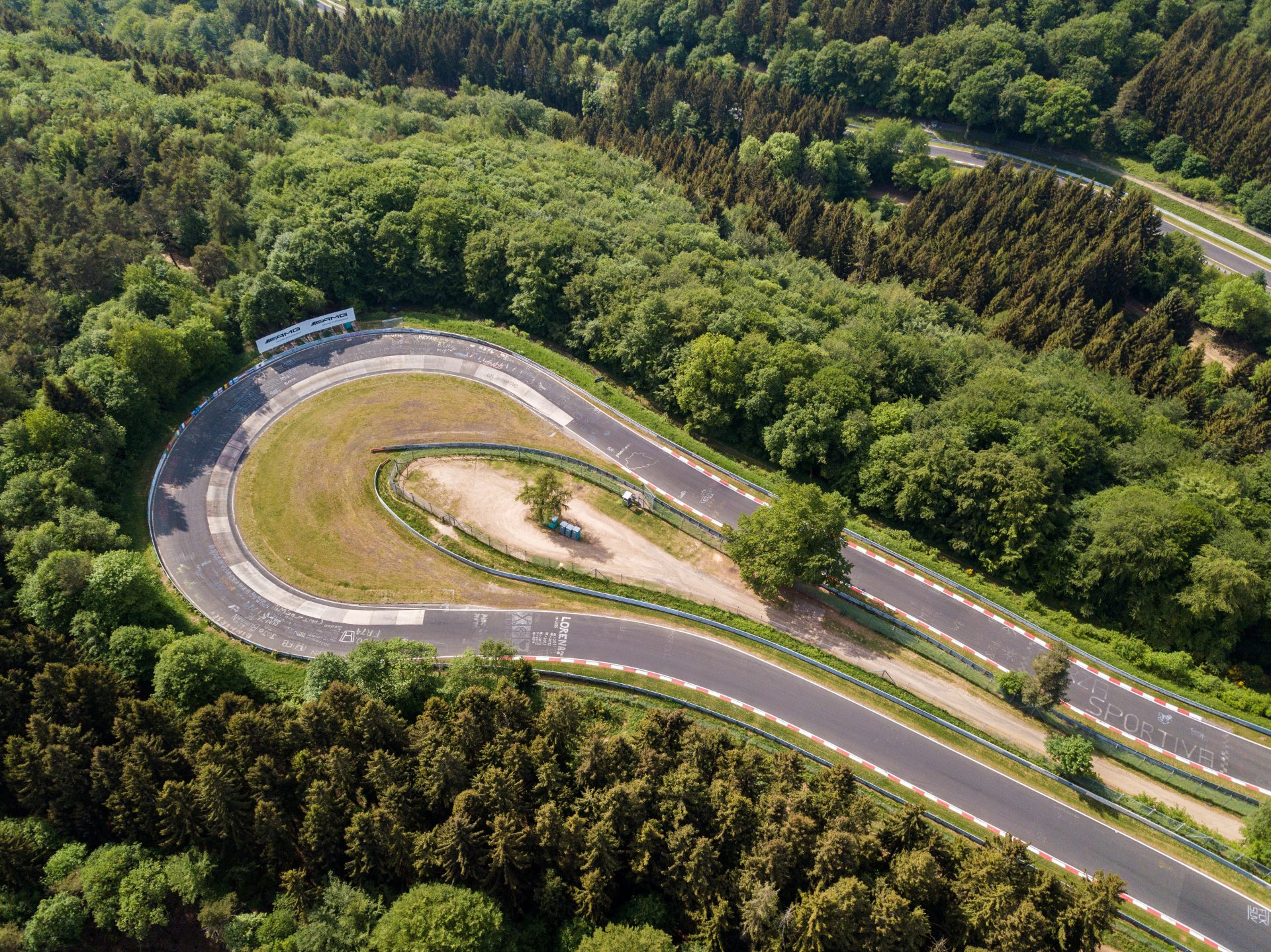 Nürburgring Nordschleife: A Place for Heroes and Records (and KODIAQ RS)