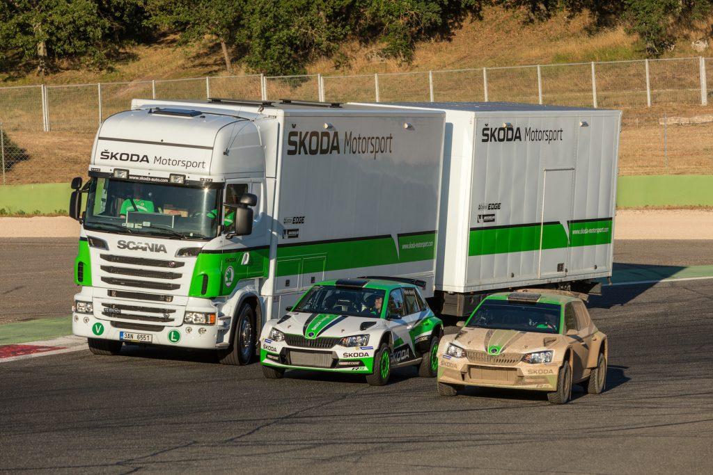 dilna-na-kolech-predstavuje-se-servisni-kamion-skoda-motorsport