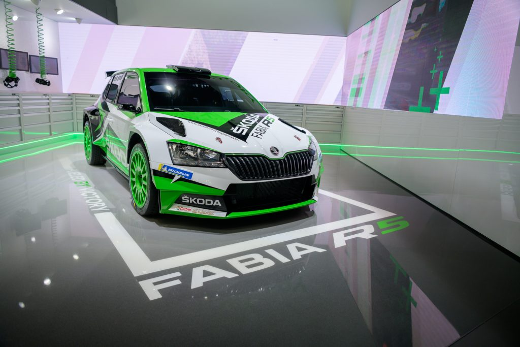 new-fabia-r5-up-close-and-personal