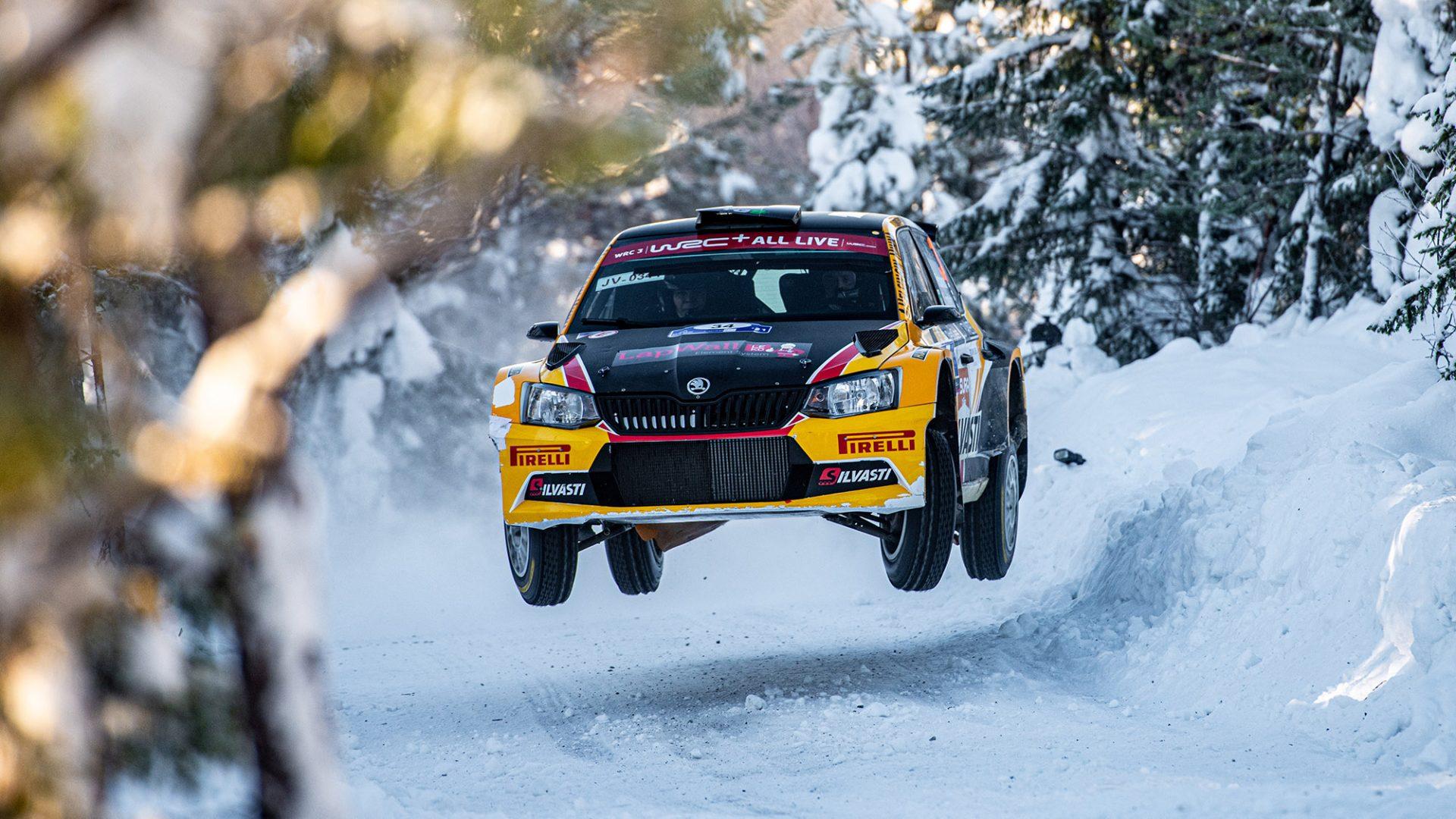Stáhněte si tapety do mobilu z Arctic Rally Finland
