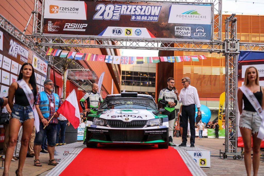 skoda-polska-motorsport-staje-na-podium-podczas-28-rajdu-rzeszowskiego
